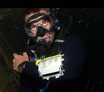 Frank Strong under water – source Instagram