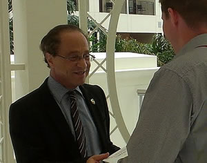 Ray Kurzweil book signing at Global Directions - picture J-P De Clerck